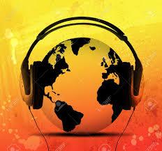 la terre avec un casque audio