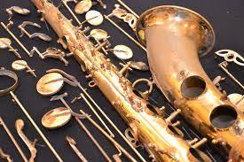 saxophone en pièces détachées